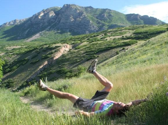 trail runner falling